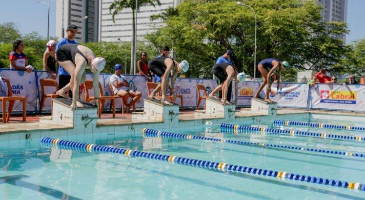 Estudantes podem competir na modalidade natação