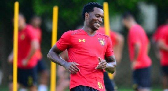 Hyuri lamenta lesão de Sander e quer continuar marcando gols pelo Sport