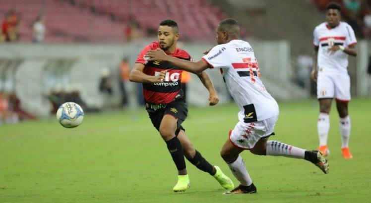 Com boas partidas no Sport, Juninho recebe elogio de Guto Ferreira