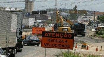 Trecho da BR-101, em Jaboatão, é interditado para obras