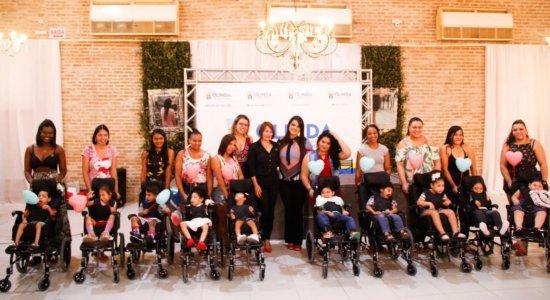 Crianças com microcefalia ganham cadeiras de rodas adaptadas em Olinda