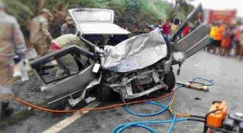 Segundo as testemunhas, havia também uma criança de três anos envolvida no acidente que estava no carro, mas não ficou ferida.