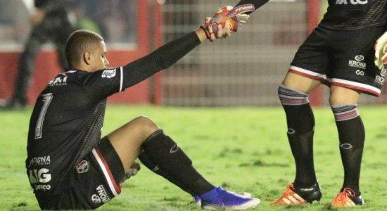 Destaque do Santa, goleiro Anderson não garante permanência na equipe