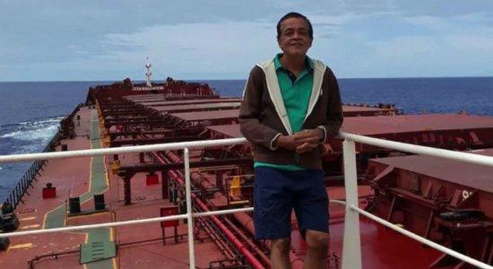 Tripulante Filipino morre em navio perto do Porto do Recife