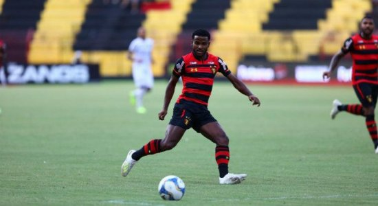 Atacante do Sport, Ezequiel está de saída para o Cruzeiro