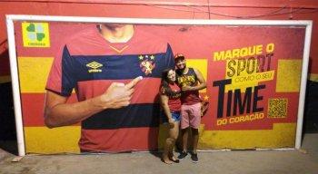 O mural com a imagem do ex-goleiro rubro-negro foi retirado após a polêmica envolvendo sua saída do clube