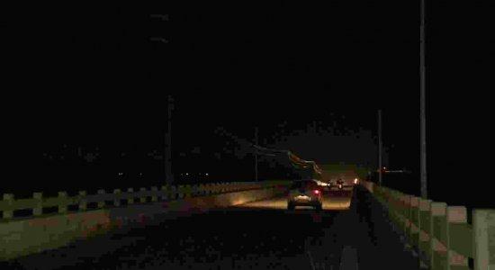 Denúncia: falta de iluminação em ponte entre Itapissuma e Itamaracá