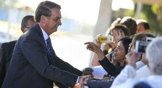 Bolsonaro diz que ajuda para Amazônia será discutida se Macron retirar 'insultos'