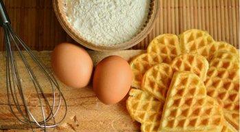 A especialista explica que até um ovo por dia, não há prejuízos a saúde, entretanto, é necessário cuidado com o preparo