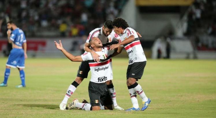 Luciano Sorriso avalia empréstimo de jogadores do Santa Cruz