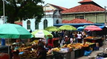 A feira de frutas e verduras passará a funcionar no Cais de Santa Rita