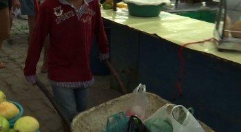 O trabalho em feiras é proibido para crianças e adolescentes