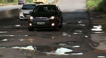 Motoristas reclamam que o problema é antigo e cobra soluções dos governantes