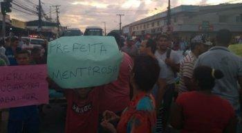 O protesto encerrou após uma reunião e o trânsito já foi liberado