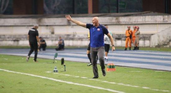 Técnico do Náutico exalta desempenho da equipe em vitória