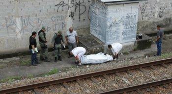 O corpo do homem foi encontrado ao lado da linha férrea