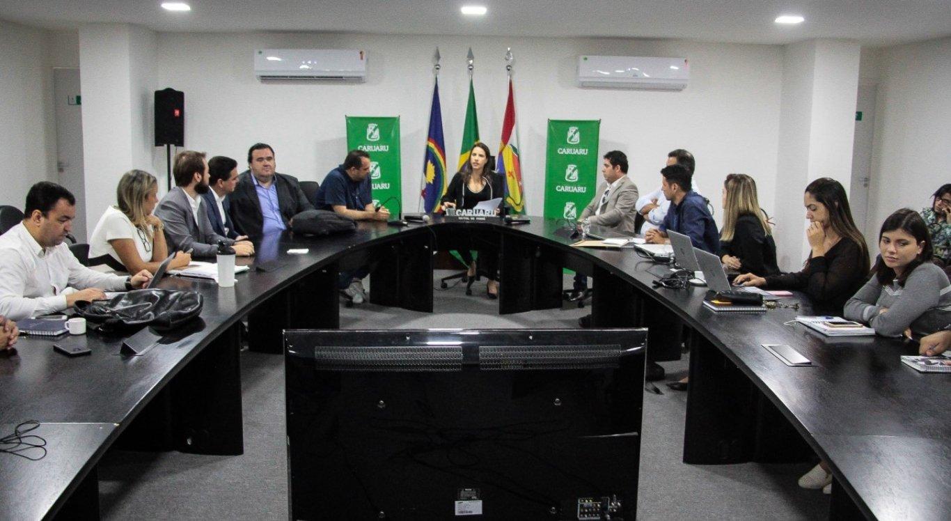 Raquel Lyra assina ordem de serviço para construção de creche em Caruaru