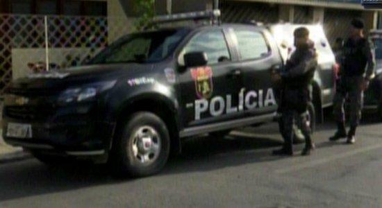 Homem é preso após ser flagrado estuprando filha de 17 anos em Caruaru