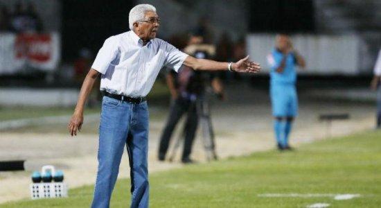 Medo da Série D, salários, clima no clube e mensagem de esperança: Givanildo Oliveira abre o jogo sobre situação do Santa Cruz