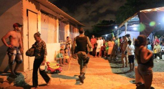 Homem é morto na frente de filha de 3 anos e mãe dele é baleada