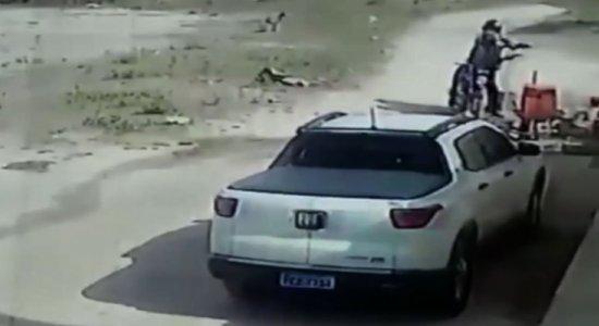 Homem é assassinado a tiros e facadas no município de  Custódia