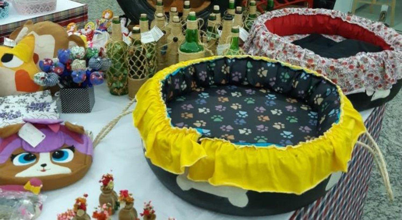Socioeducandos da Funase produzem camas para cachorro em Caruaru