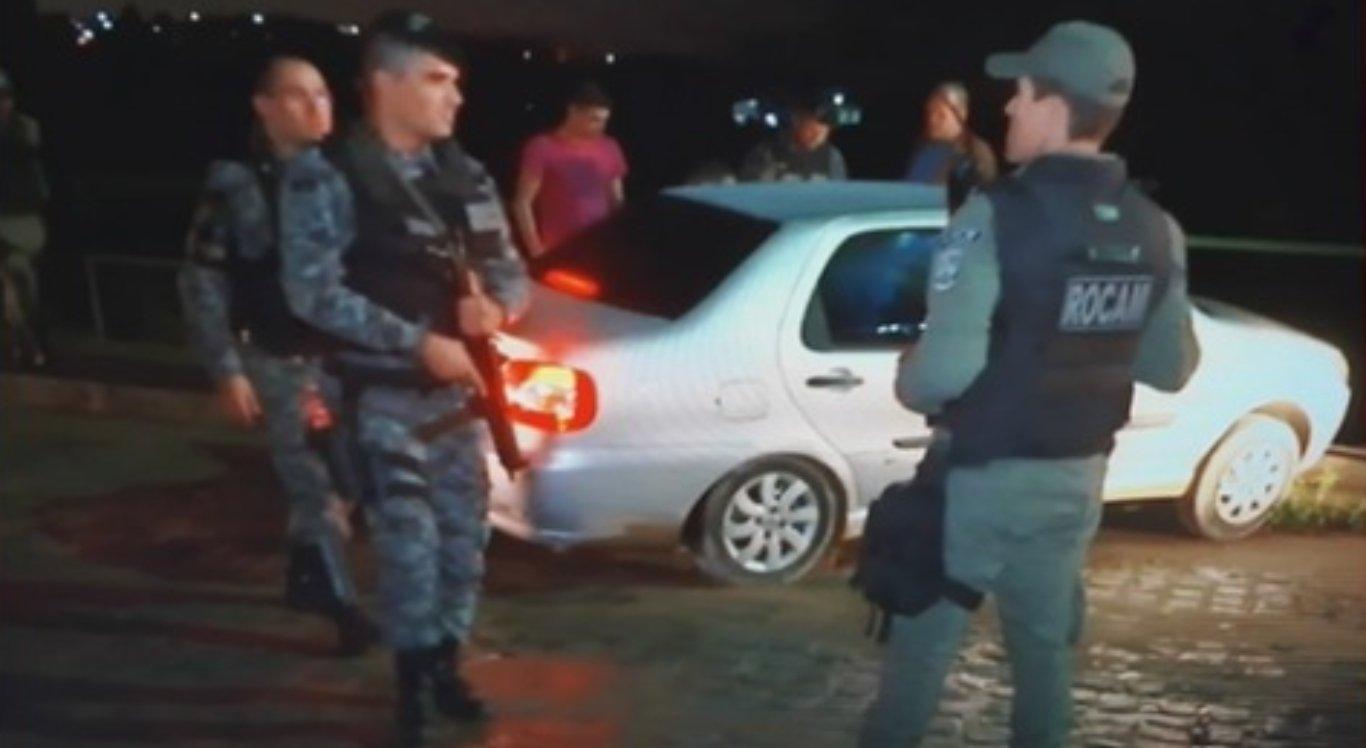 Um carro foi roubado em Caruaru