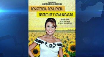 """Capa do livro: """"Graça Araújo: Negritude, Resiliência e Comunicação"""", da editora Coleção Sophia, de autoria do Jorge Arruda e Jailton Arruda."""