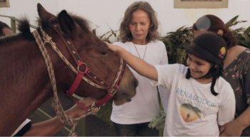 Ane, de 13 anos, é portadora da Síndrome de Angelman