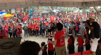 Protesto reúne milhares de pessoas no Recife
