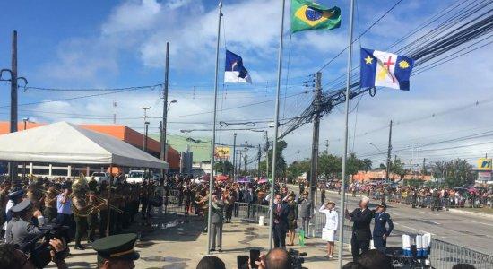 Desfile cívico-militar marca celebrações pela Independência do Brasil