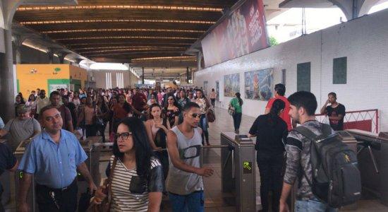 Linha Centro do Metrô do Recife amanhece sem funcionar nesta quinta