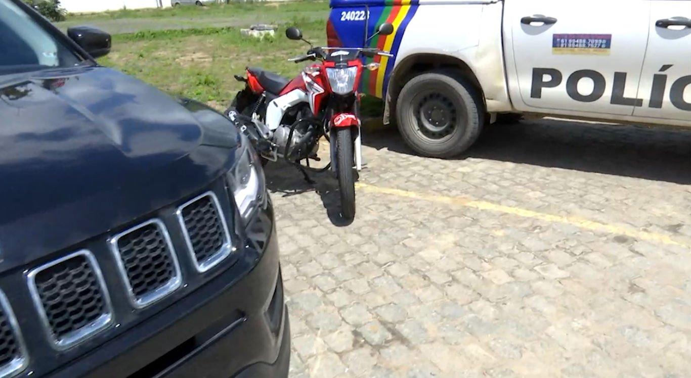 Suspeitos estavam com dois carros e uma motocicleta
