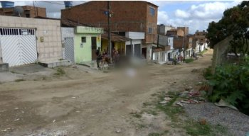 O crime aconteceu no bairro Cidade Alta, em Caruaru.