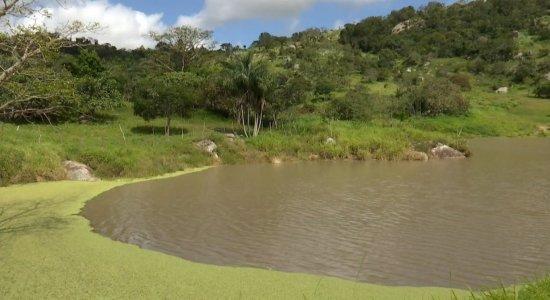 Situação de estrutura de barragem em Caruaru preocupa moradores