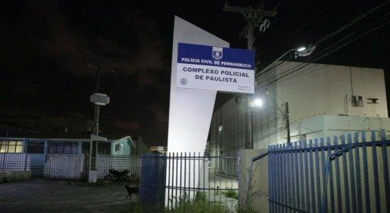 Homem ameaça atirar em mulher e criança em Paulista