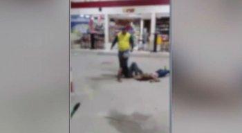 Mototaxista que presenciava a agressão espancou o agressor