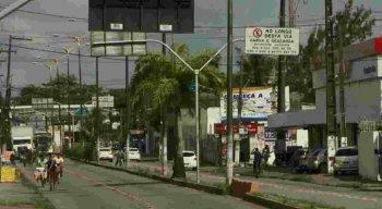 As oito paradas de ônibus serão retiradas do meio da via e devem voltar para as calçadas.