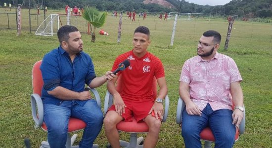 Revelação do Náutico, Thiago comenta sonho no futebol e fala sobre sondagens