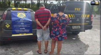 O casal foi preso por agentes da Polícia Rodoviária Federal