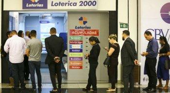 Apostas podem ser feitas até as 19h (horário de Brasília), em qualquer casa lotérica credenciada pela Caixa em todo o país.