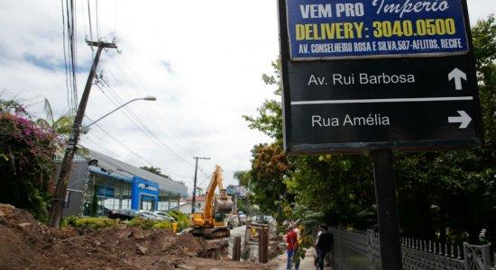 Os Condutores que desejarem seguir em direção à Rua Amélia poderão girar à esquerda na Rua Senador Alberto Paiva e à direita na Rua Sérgio Magalhães