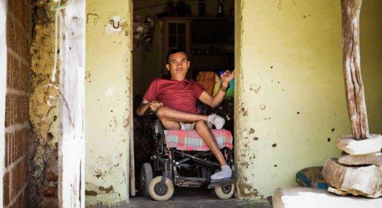 Único sobrevivente à raiva humana no país dá exemplo de resiliência
