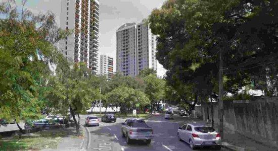 Compesa realiza obra em esgoto na Zona Norte do Recife e interfere em trânsito