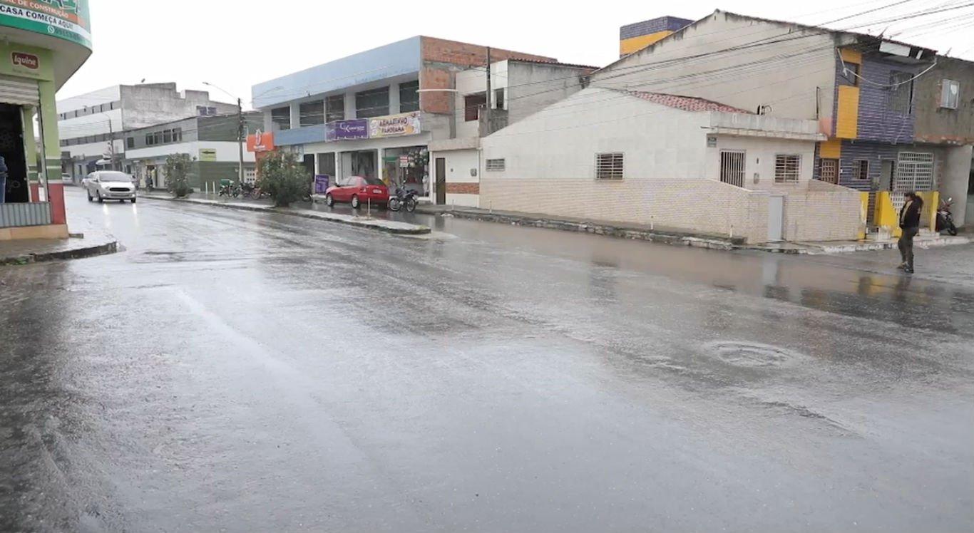 Avenida João Soares de Lira.