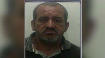 O homem estava preso por matar a mulher a facadas no último dia 12 de setembro