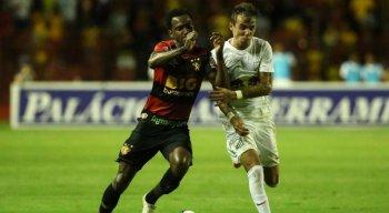 Hyuri se lesionou na partida contra o Figueirense