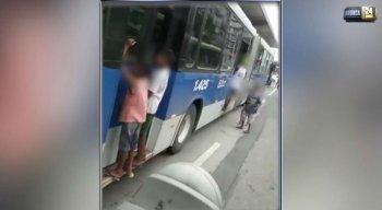 """As crianças e adolescentes pegavam carona fazendo """"bigu"""" no BRT"""