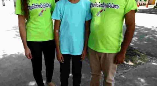 Familiares de crianças e adolescentes denunciam falta de remédio para crescimento em farmácia do Governo