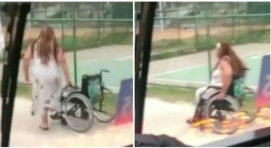 Mulher é flagrada fingindo ser cadeirante para não pagar passagem